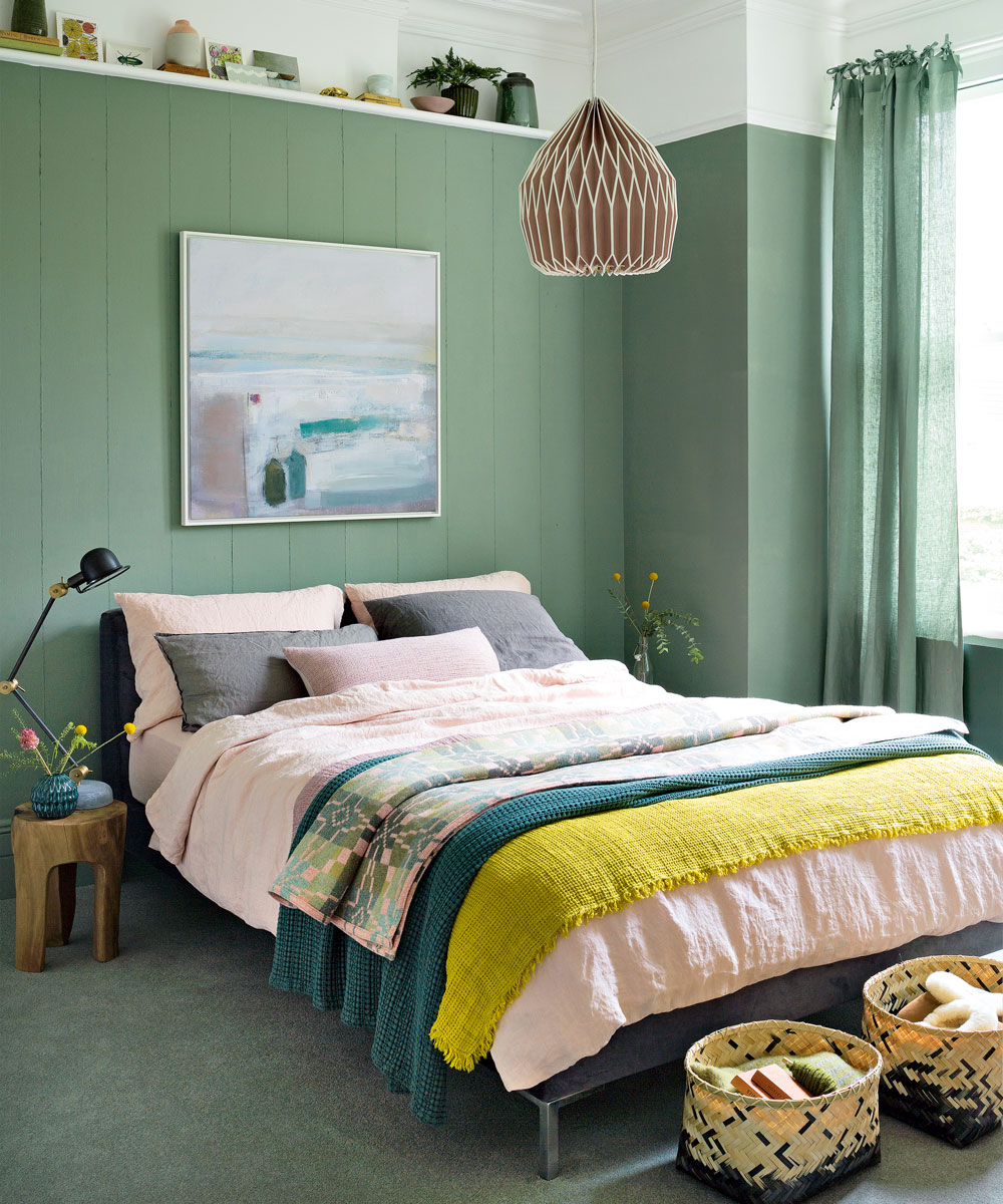 Easy Hacks To Design A Small Bedroom - Little Letters Linked